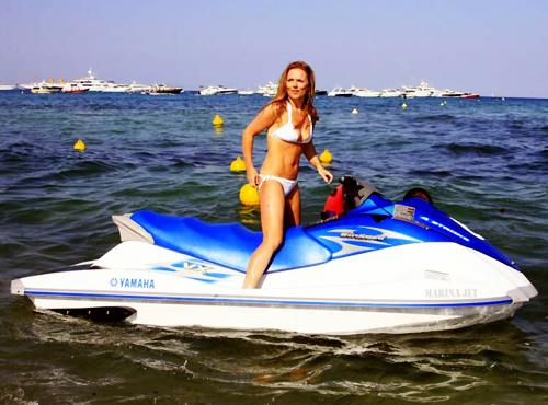 Знаменитости и спорт: летний отдых